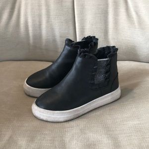 Girls sneakers size 10